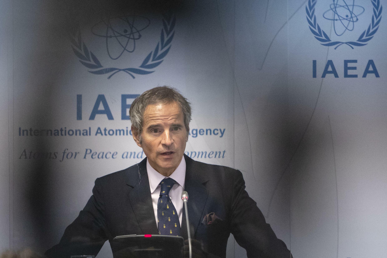 El director General del Organismo Internacional de Energía Atómica (OIEA), Rafael Mariano Grossi, ofrece una conferencia de prensa tras una reunión de la Junta de Gobernadores del OIEA en la sede de la agencia en Viena, Austria, el 13 de septiembre de 2021.