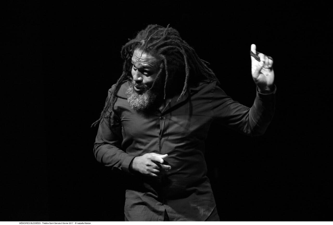 Soeuf Elbadawi, ici en février 2017 au théâtre Saint-Gervais avec «Mémoires blessées» se produit au théâtre Studio d'Alfortville les 23 et 24 février avec la pièce «Obsessions de lune»