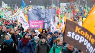 Hàng ngàn người biểu tình tại Berlin đòi chấm dứt việc sử dụng than đá, ngày 01/12/2018.