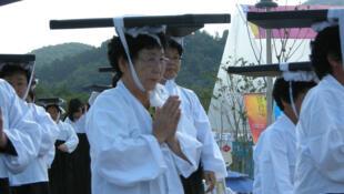 Lễ hội rước kinh Tripitaka Koreana về chùa Haeinsa (RFI / F.Ojardias)