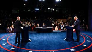 Joe Biden et Donald Trump lors du dernier débat pour la course à la présidentielle américaine, le 22 octobre 2020.