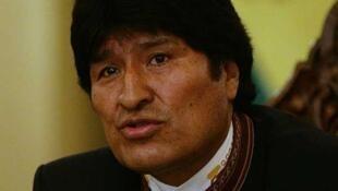 Le président bolivien Evo Morales a nationalisé une entreprise d'électricité à capitaux espagnols.