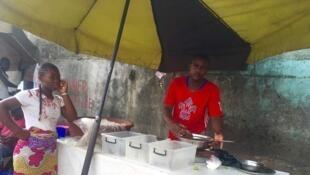 À Abidjan, le petit-déjeuner offre mille possibilités pour tous les goûts.