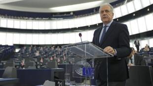 Европейский комиссар по миграционным вопросам Димитрис Аврамопулос полагает, что новая меро послужит укреплению безопасности европейских границ
