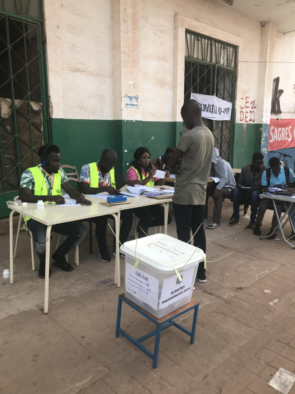 Mesa de voto, Bissau