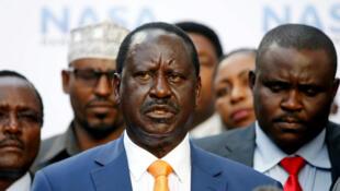 Raila Odinga lors de la conférence de presse où il a annoncé le retrait de sa candidature à la présidentielle kényane ce mardi 10 octobre 2017.