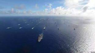 图为美国太平洋舰队舰船阵型