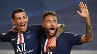 Angel Di Maria (à gauche) et Neymar (à droite) le soir de la victoire du Paris-Saint-Germain, en demie-finale de Ligue des champions, contre le RB Leipzig.
