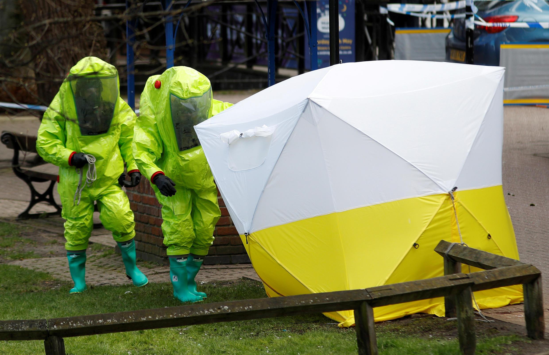 Cảnh sát Anh tiếp tục điều tra về vụ đầu độc Sergei Skripal  và con gái Yulia tại Salisbury ngày 04/04/2018.