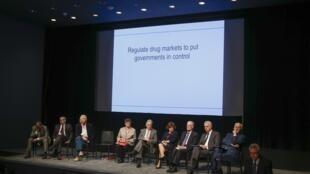 Miembros de la Comisión global sobre la política de drogas durante el foro de Nueva York, el 9 de septiembre de 2014.