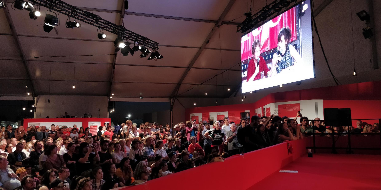 Público aguardou com ansiedade participação de Dilma na Festa da Humanidade.