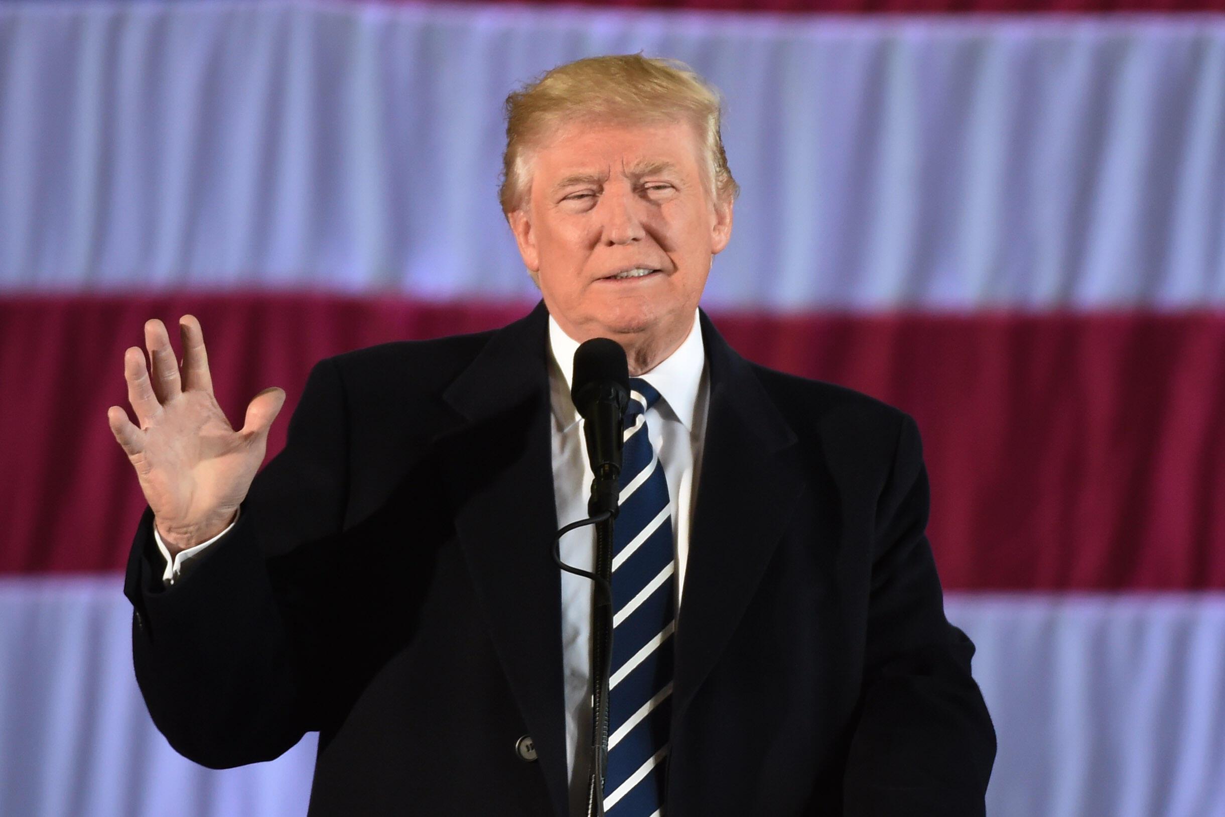 Tổng thống tân cử Donald Trump nỗ lực phản bác những cáo buộc đắc cử nhờ có sự giúp đỡ của Nga.