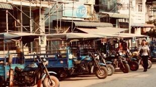Dans les rues de Hpa-An, dans l'état Karen de Birmanie.