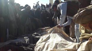 تلویزیون طلوع نیوز افغانستان در گزارشی اعلام کرده است: تاکنون دستکم ۴۲ جسد از این گورهای دستجمعی بیرون کشیده شده است.