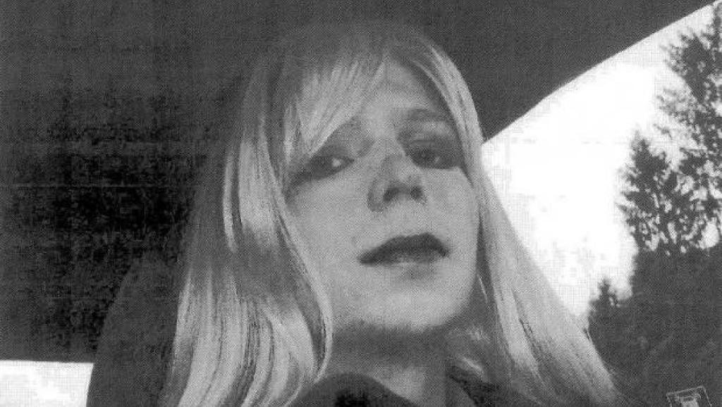 Chelsea Manning, que foi detida como Bradley Manning, foi condenada por divulgar 700 mil documentos secretos americanos