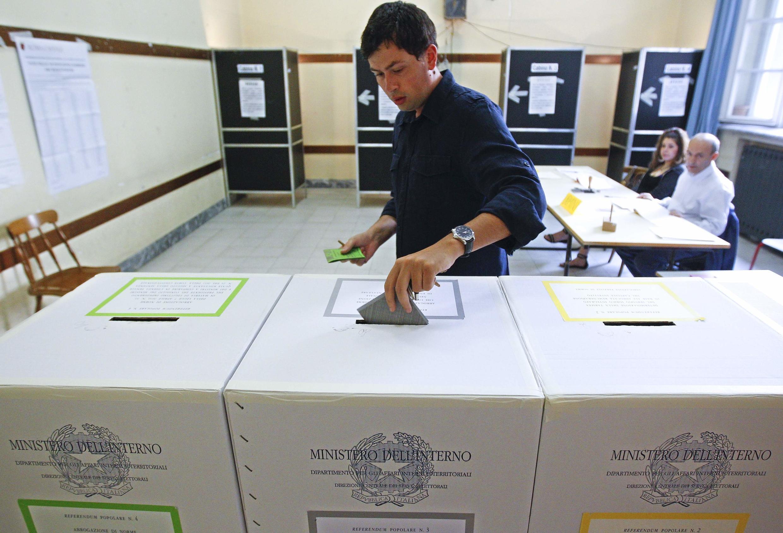 Votação sobre o uso de energia nuclear na Itália e imunidade penal de Berlusconi.
