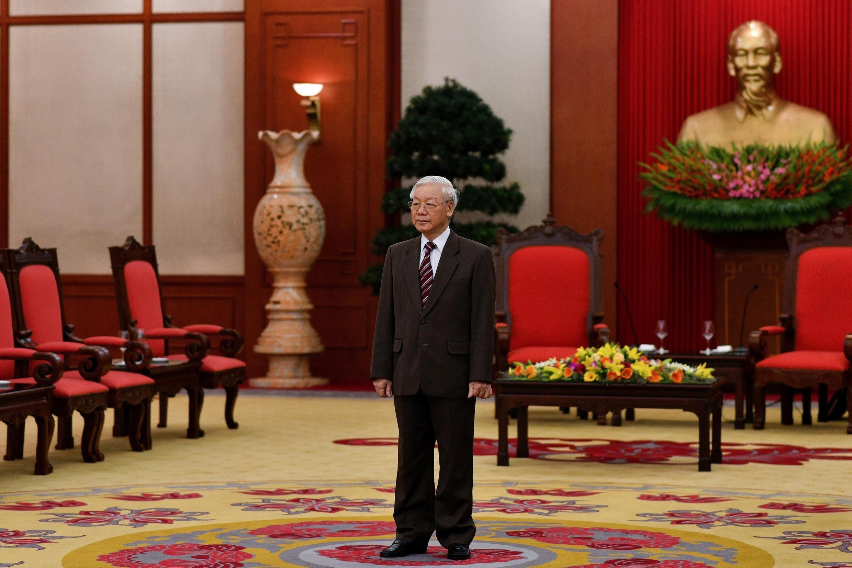 Tổng bí thư kiêm chủ tịch nước Nguyễn Phú Trọng chuẩn bị tiếp thủ tướng Hà Lan Mark Rutte tại Hà Nội ngày 09/04/2019.