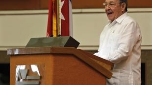 Raul Castro lors de son discours d'inauguration du 6e Congrès du parti unique cubain, le 16 avril 2011.