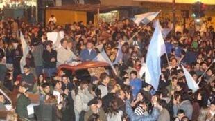 Cacerolazo en Argentina.