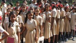 Schoolgirls in Mumbai
