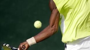 Imprensa britânica denuncia manipulação de resultados no tênis.
