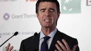 Depois de ter negado sua participação no escândalo de corrupção, ministro espanhol José Manuel Soria anunciou sua demissão.