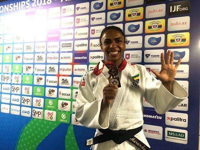 Érika Miranda conquista bronze para o Brasil no Mundial de Baku, capital do Azerbaijão.