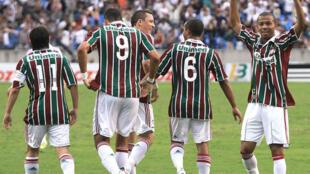 O atacante Mariano, ex-Fluminense, à direita, é a nova contratação do Bordeaux.