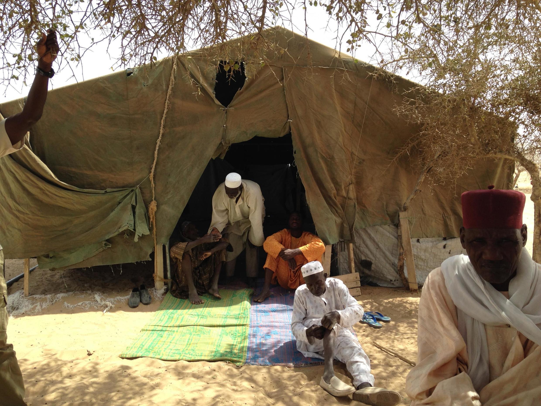 kambi ya wakimbizi wa Nigeria kasribu na mto Tchad