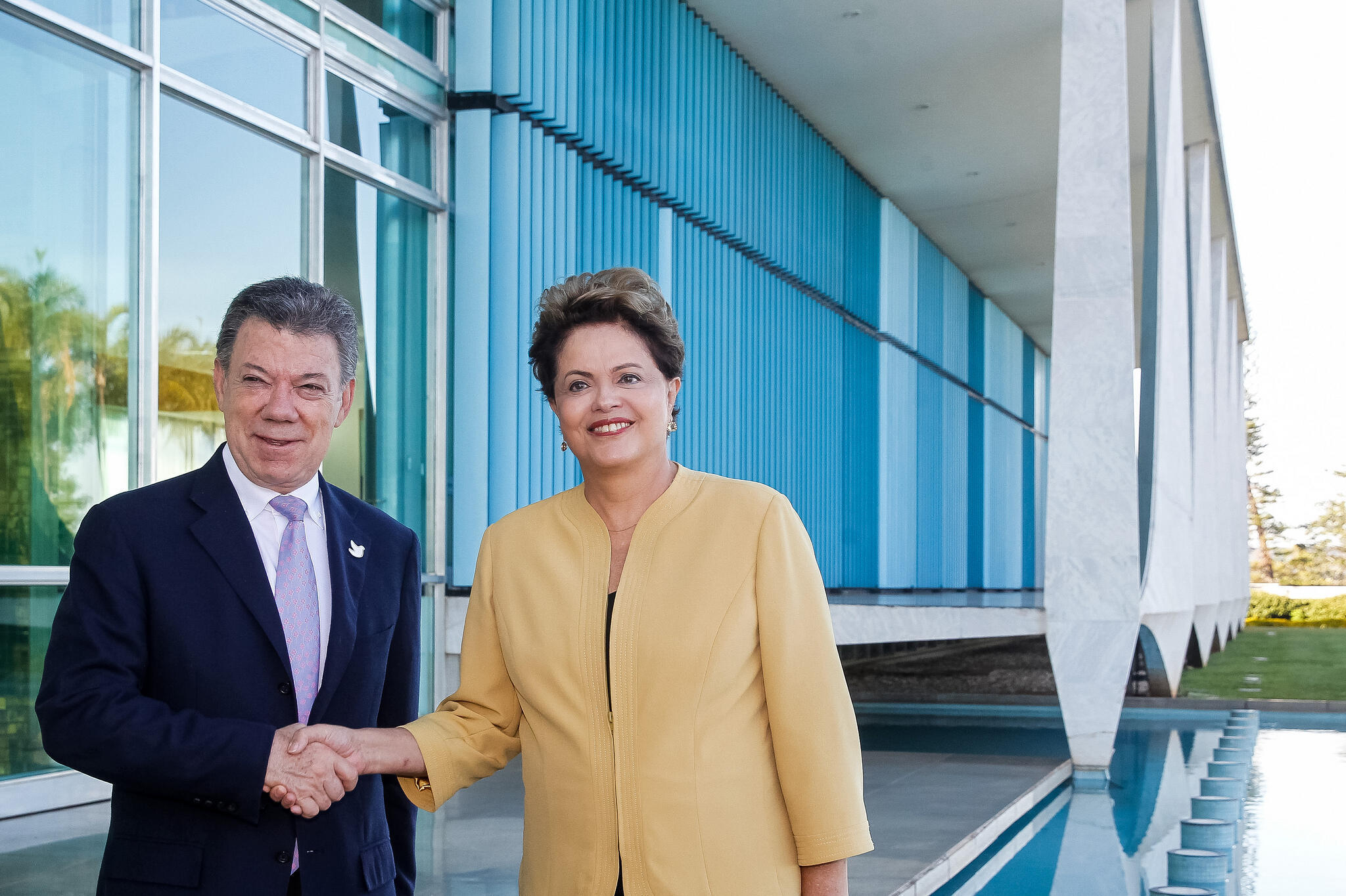 A presidente Dilma Rousseff e o presidente da Colômbia, Juan Manuel Santos, em Brasília. 9/06/2014.