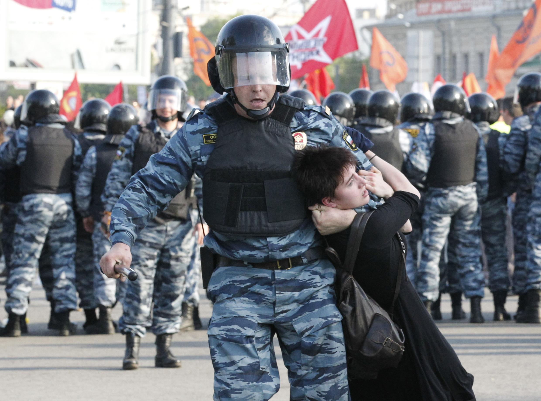Силовой разгон митинга на Болотной, 6 мая 2012