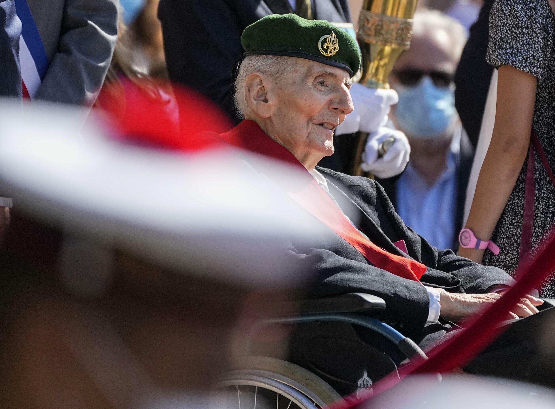 Юбер Жермен, ветеран Второй мировой войны и кавалер ордена Освобождения, на памятной церемонии по случаю годовщины призыва де Голля к Сопротивлению 18 июня  2021 года.
