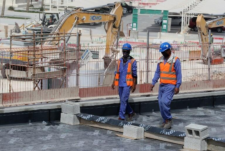 В строительстве стадионов в Катаре участвуют около двух миллионов иностранных рабочих