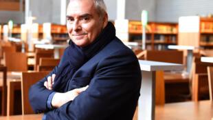 Portrait de l'architecte Dominique Perrault.