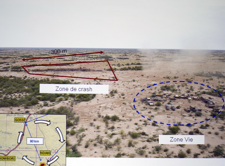 Une image de la zone du crash du vol Air Algérie, au Mali, présentée lors d'une conférence de presse au ministère français des Affaires étrangères, le 28 juillet.