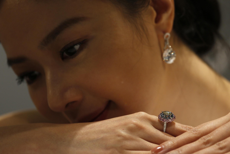 Kim cương sức quyến rũ mới của thị trường Trung Quốc.