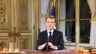 Tổng thống Pháp Emmanuel Macron phát biểu từ điện Élysées, Paris, tối 10/12/2018.
