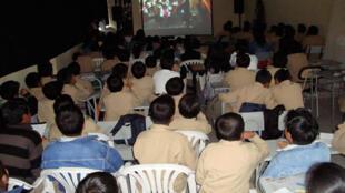 Proyección en el  Colegio Rumipamba, Cine Foro, Cantón Ibarra (audiovisuales itinerantes).