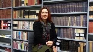 Audrey Chapuis is the director of American Library in Paris.