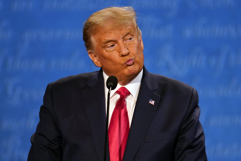 Rais wa Marekani Donald Trump wakati wa mdahalo wa pili na wa mwisho na Joe Biden kabla ya uchaguzi wa urais, Oktoba 22, 2020 huko Nashville.