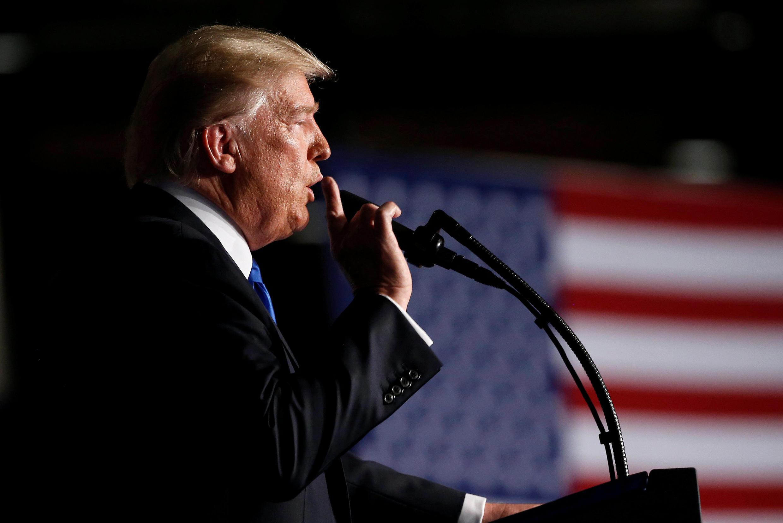 Tổng thống Mỹ Donald Trump thông báo về chiến lược Afghanistan trước binh lính ở căn cứ quân sự Fort Myer, Virginia, ngày 21/08/2017.