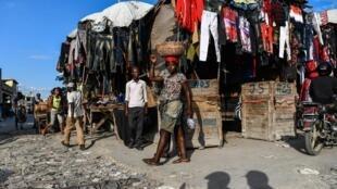 D'après Frantz Duval, rédacteur en chef du quotidien haïtien Le Nouvelliste, Haïti «risque le premier pays très faible que le virus rencontrera sur sa route». (photo d'illustration)