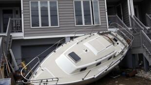 Le coût des dégâts de l'ouragan Sandy pourrait s'élever à 50 milliards de dollars.
