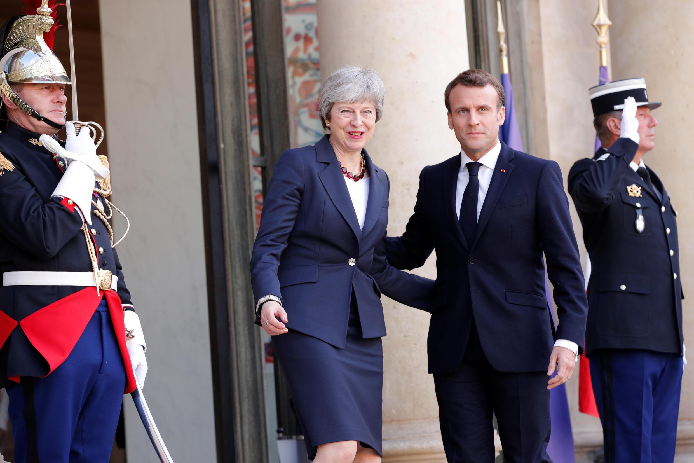 Shugaba Emmanuel Macron yayin ziyarar da Firaministar Birtaniya Theresa May, ta kai fadarsa a jiya Talata