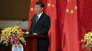 习近平2015年11月6日在越南国会演讲时的照片