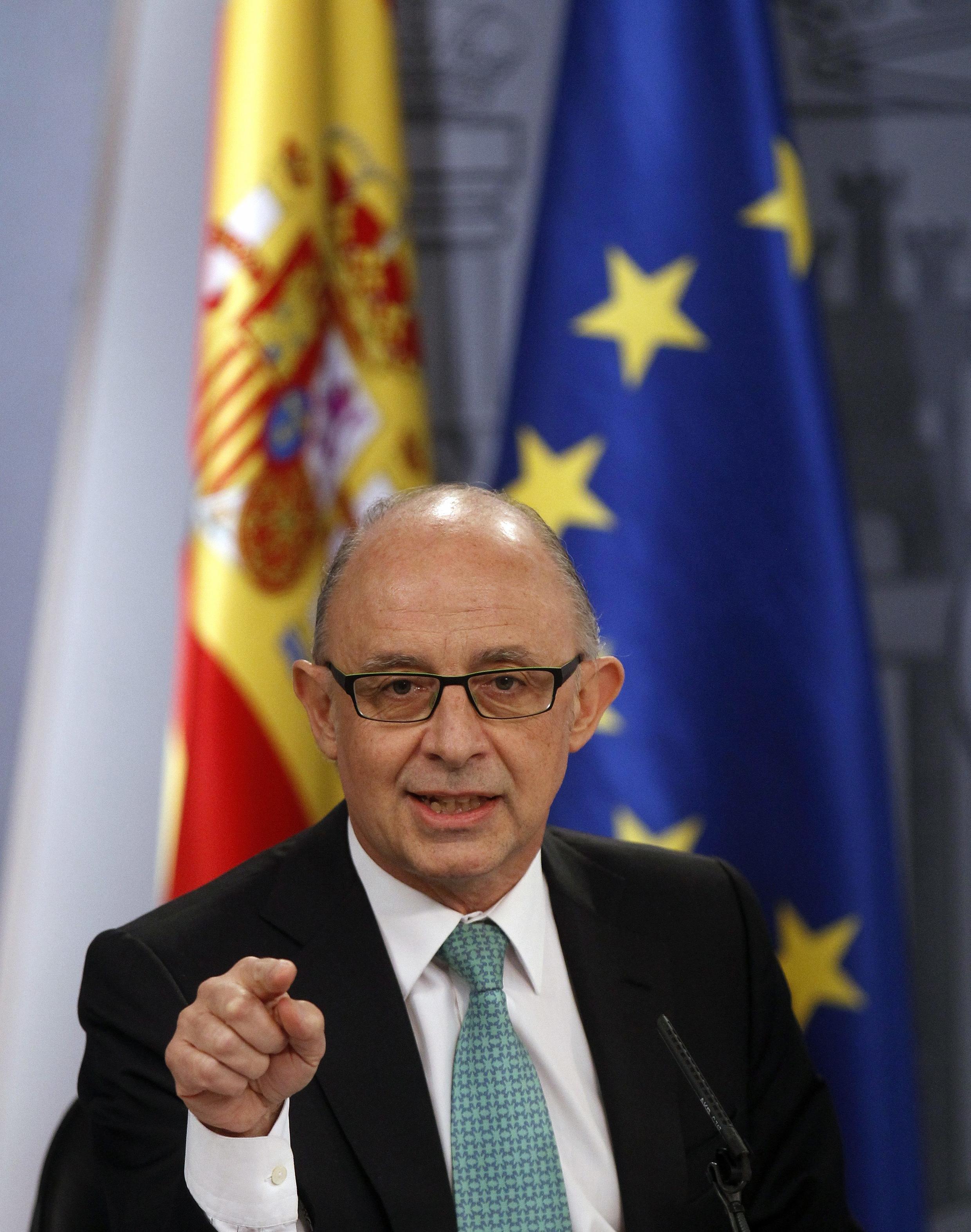 O ministro espanhol do Orçamento, Cristobal Montoro, durante entrevista coletiva, em Madri, nesta sexta-feira, 30 de março.