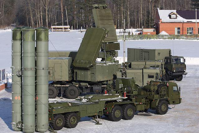 Российская зенитно-ракетная система С-400