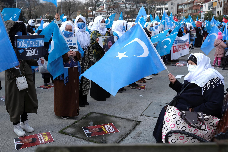 _3_WOMENS-DAY-UIGHUR-TURKEY