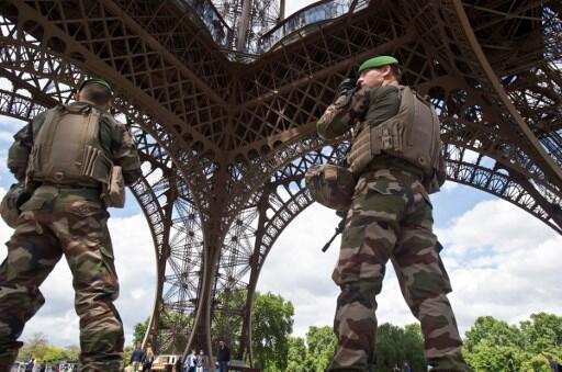 Pour les détracteurs du projet de loi antiterroriste, l'argent utilisé pour financer l'opération Sentinelle pourrait être redéployé dans les services de renseignement.
