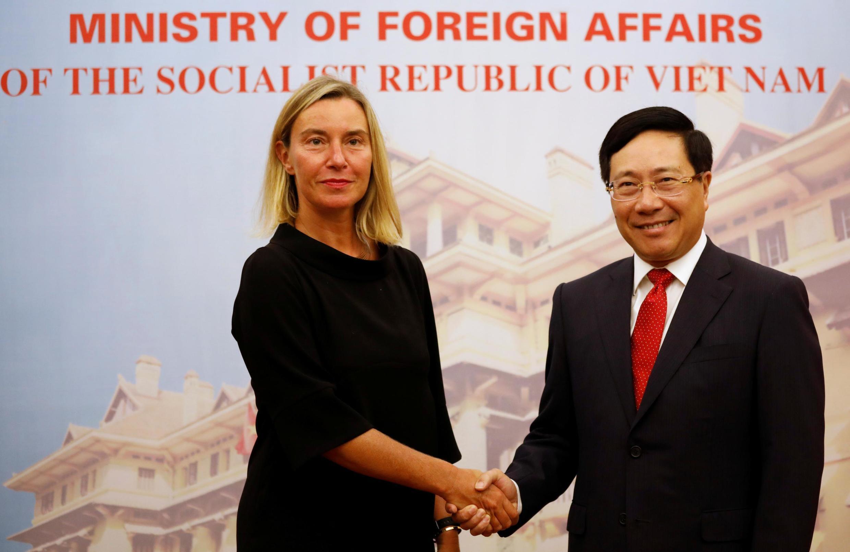 Đại diện cấp cao về ngoại giao của Liên Hiệp Châu Âu Federica Mogherini và ngoại trưởng Việt Nam Phạm Bình Minh tại Hà Nội, ngày 05/08/2019.